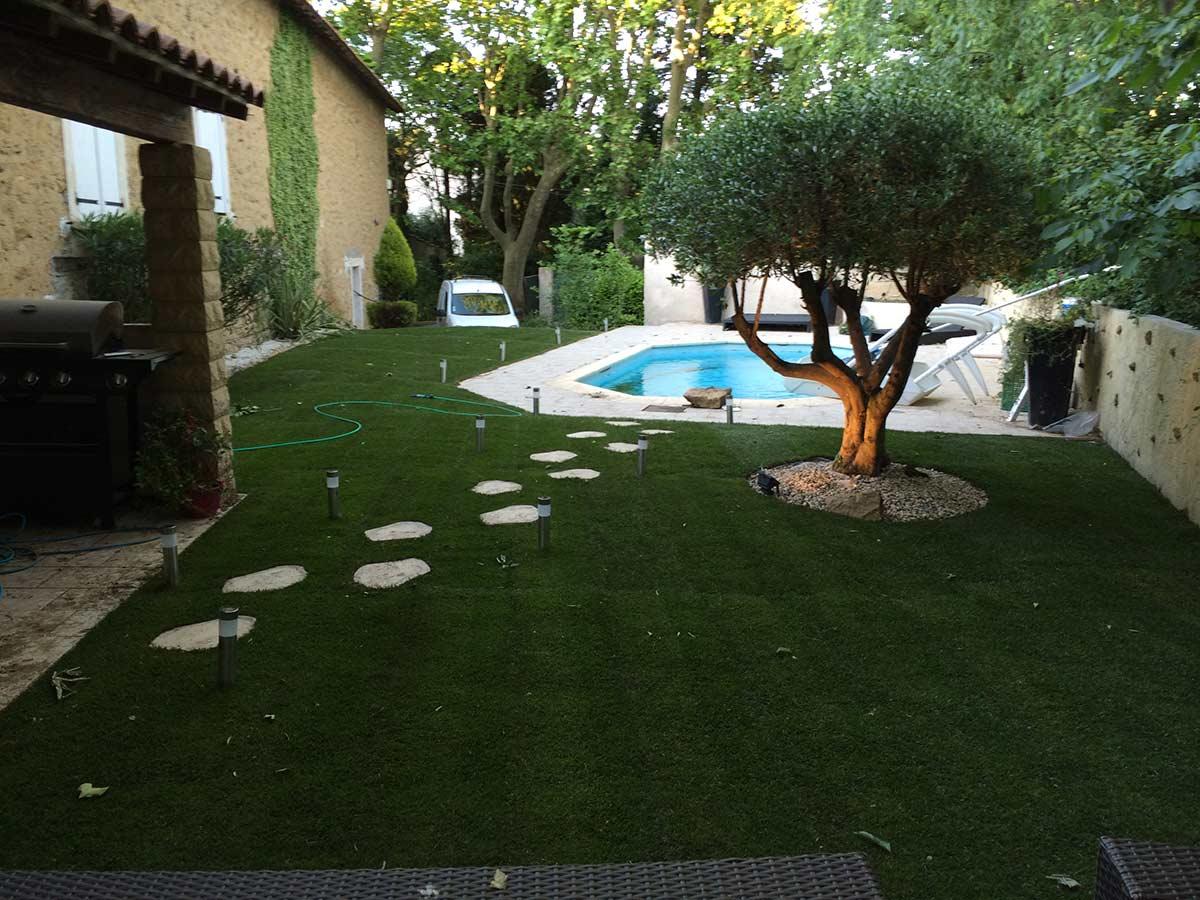 Pose de pelouse de gazon